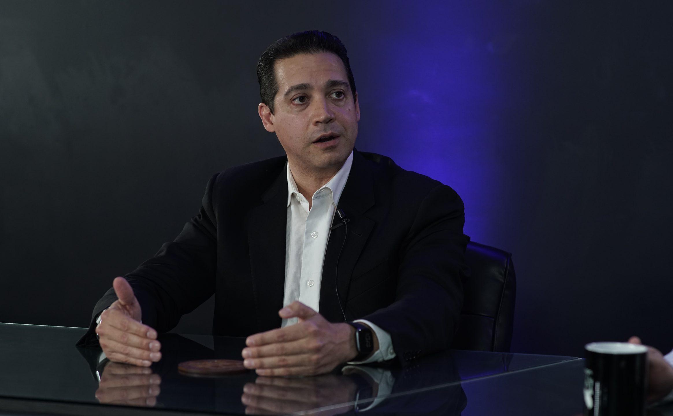 Los ciudadanos debemos participar en política y no ser simples espectadores: Arturo Fernández