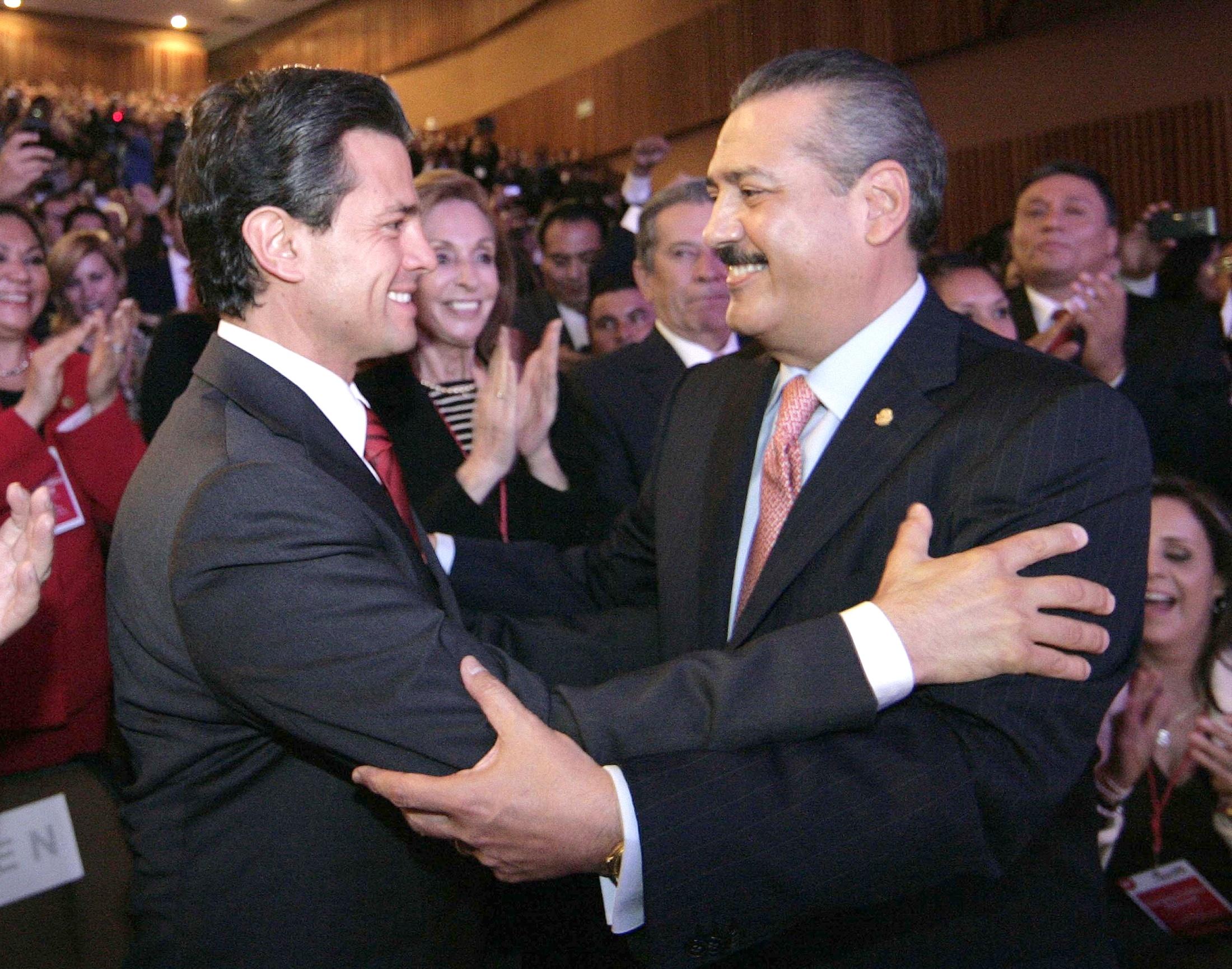 Peña Nieto reaparece y envía mensaje a Beltrones por muerte de su esposa