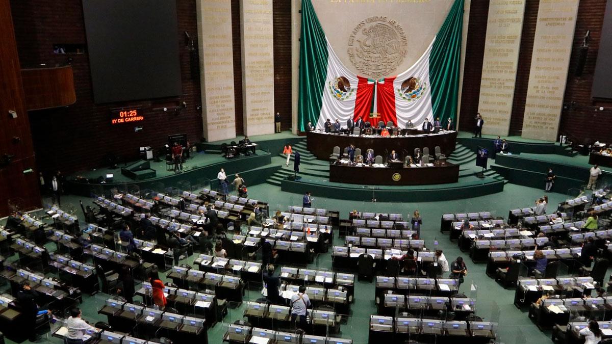 Morena pierde la mayoría en el Congreso: ¿qué cambia para AMLO?