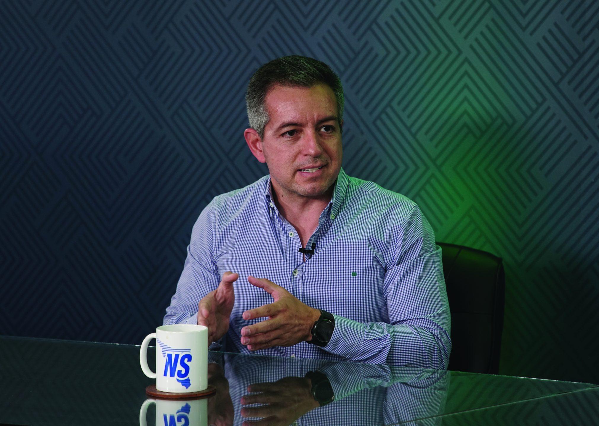 Esperamos una transición de gobierno sana y democrática, sin gritos ni sombrerazos: Omar del Valle