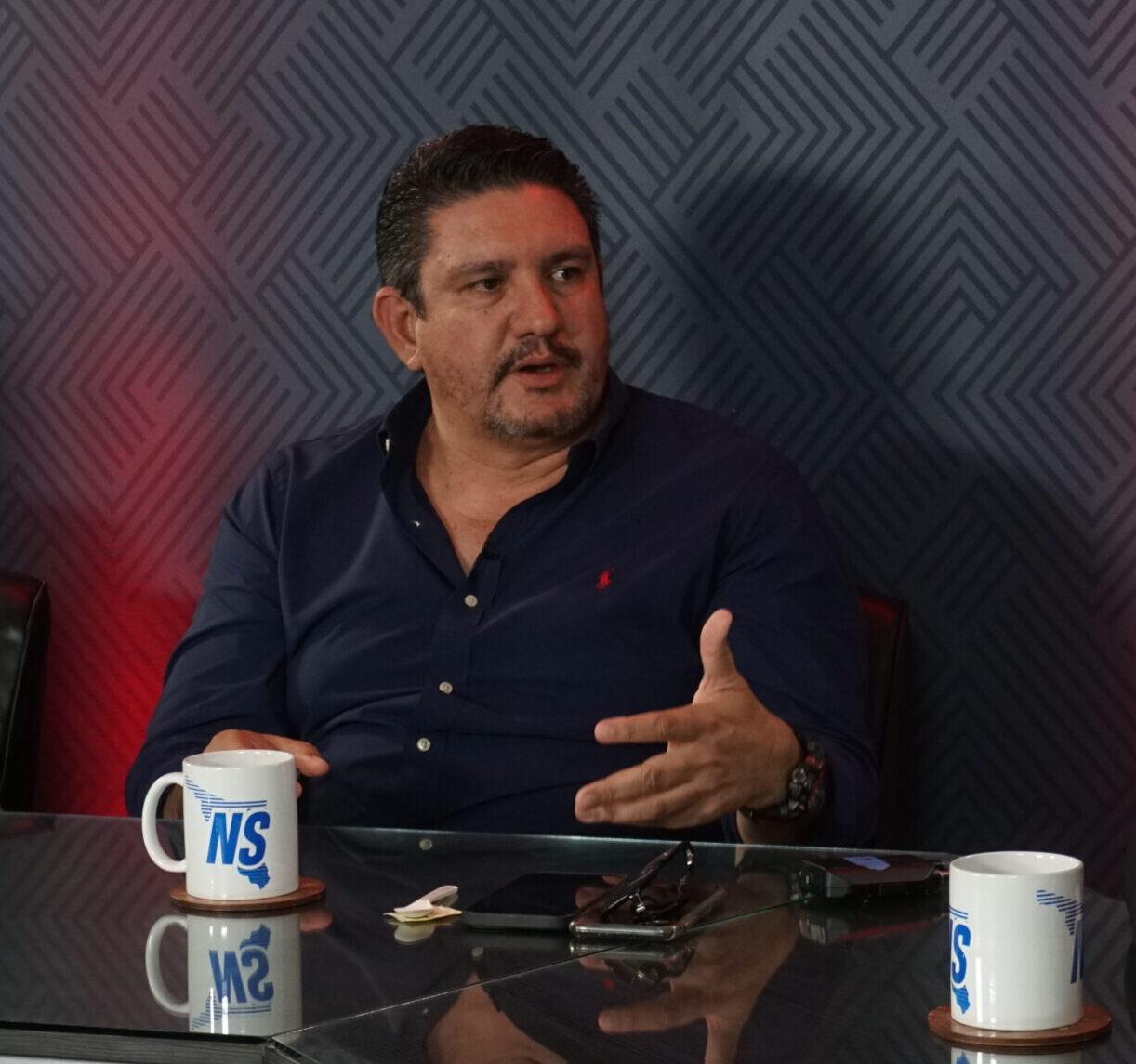 Cumplo el perfil paratrabajar en el PRIdesde oposición: Robles Pompa