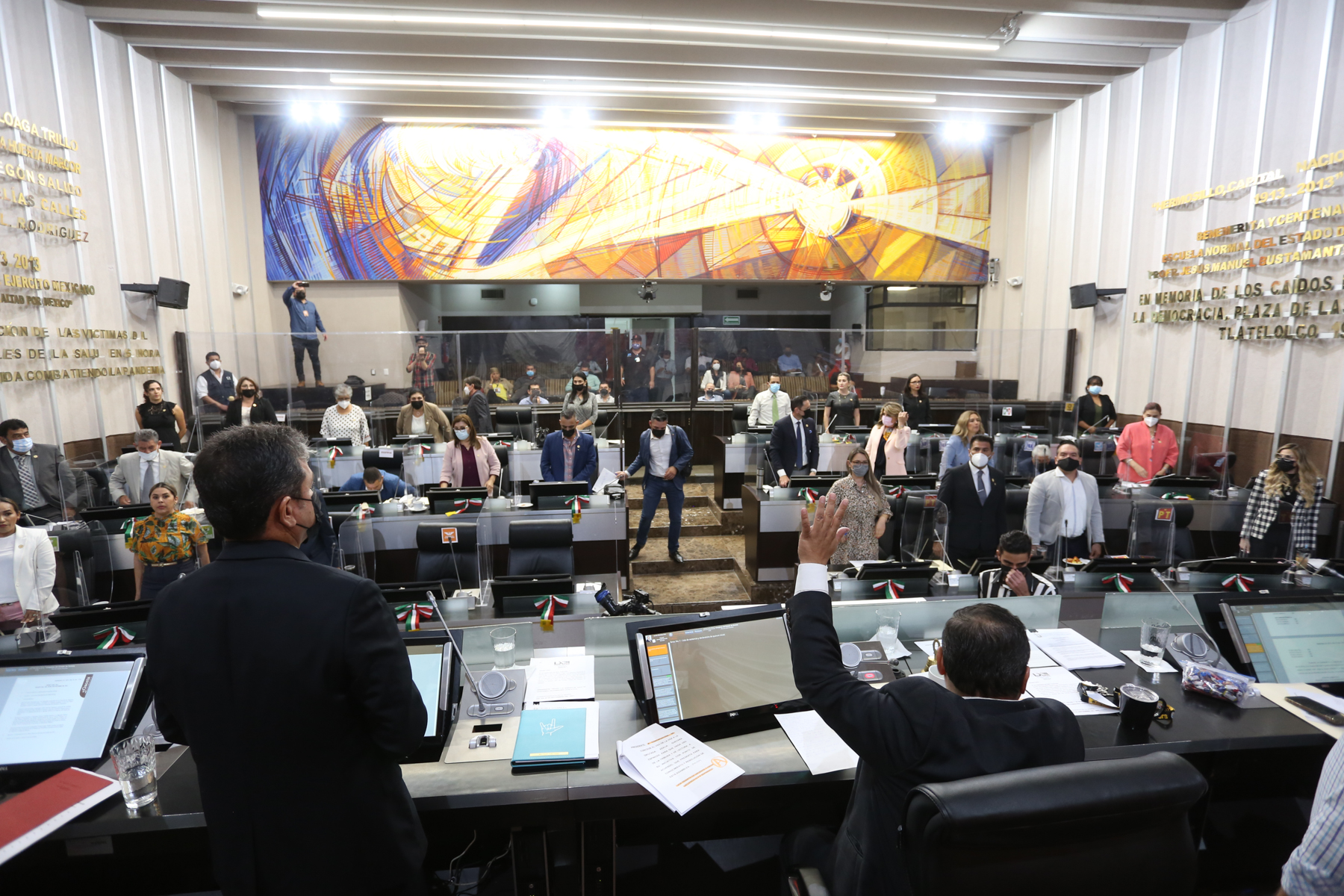 Aprueban la integración de 20 comisiones de dictamen legislativo